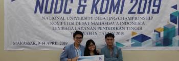 Tim UNSRAT Juara-2 lomba Debat Bahasa Inggris dan Indonesia Regional IX